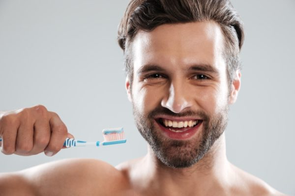 blanchir-dents-homme