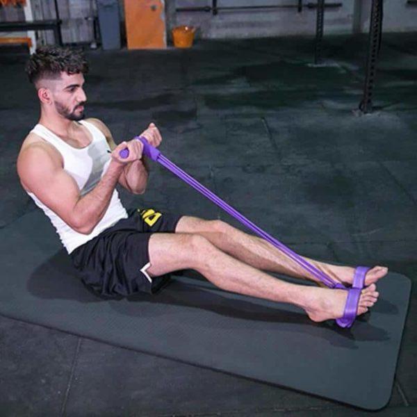 Faire les biceps avec des élastiques
